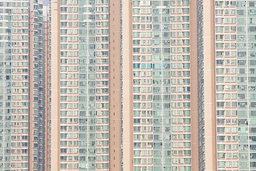 Packed Hong Kong apartments by coloursinmylife
